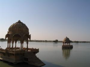 Jaisalmer, Gadi Sagar Photo: Ed Sluimer 2005