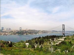 Istanbul, Bosporus Bridge Photo Ed Sluimer 2005