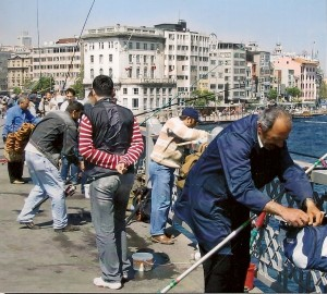 Istanbul, Galata Bridge Photo Ed Sluimer 2005