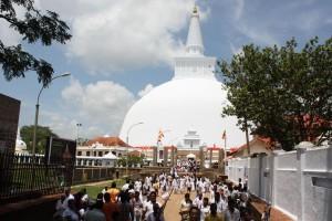 Anuradhapura, Ruwanweli Seya Photo Ed Sluimer 2013