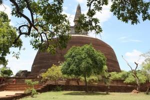 Polonnaruwa, Rankot Vehera Photo Ed Sluimer 2013