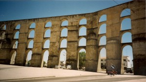 Aquaduct of Elvas Photo Ed Sluimer 2001