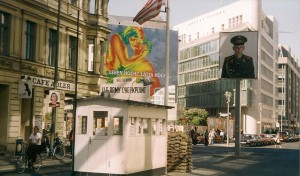 Berlin, Checkpoint Charley Photo Ed Sluimer 2002