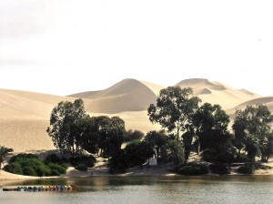 Huacachina Lagoon Photo Hennie Sluimer 2005